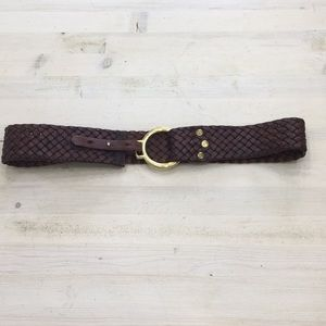 Genuine leather belt with loop clasp